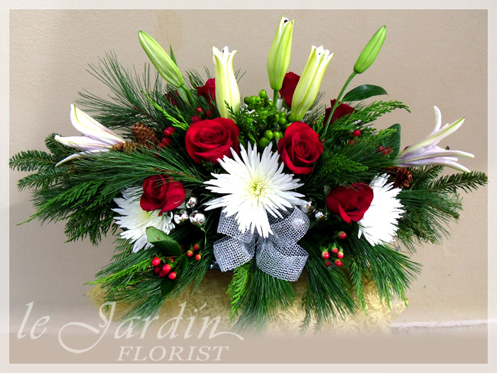 Christmas flowers table centerpiece arrangements