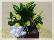Sympathy Treasure Chest & Fresh Cut Roses :: Sympathy / Funeral Flower Arrangement